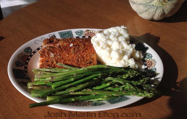 asparagus, grilled salmon, mashed potatos